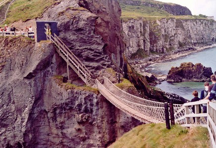 carrik-a-rede-rope-bridge.jpg